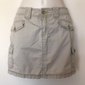 Gap khaki cargo skirt size 6